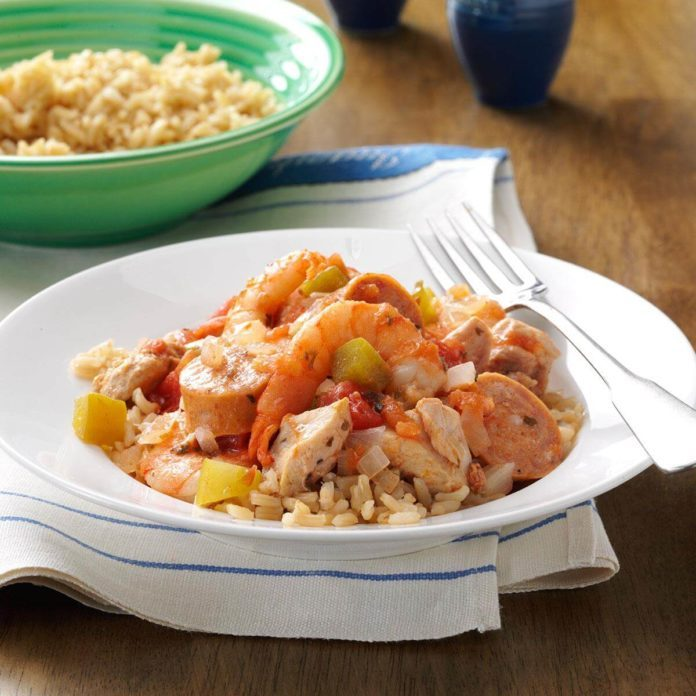 Healthy mardi gras recipes taste of home meaty slow cooked jambalaya forumfinder Image collections