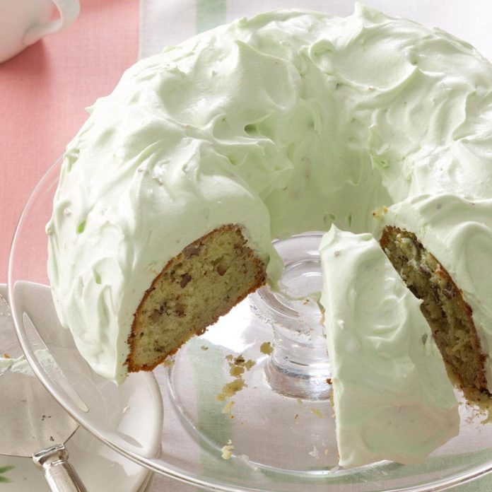 Pistachio Cake with Walnuts