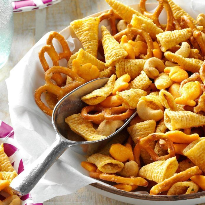 18 Tasty Snack Mix Recipes