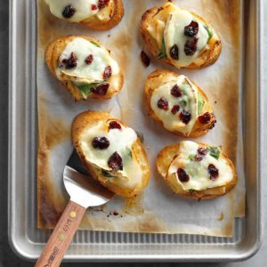 30 Christmas Potluck Appetizers for 12 or More