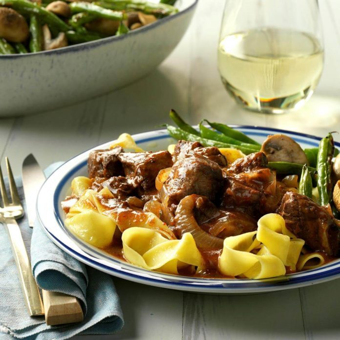 Slow-Cooker Burgundy Beef