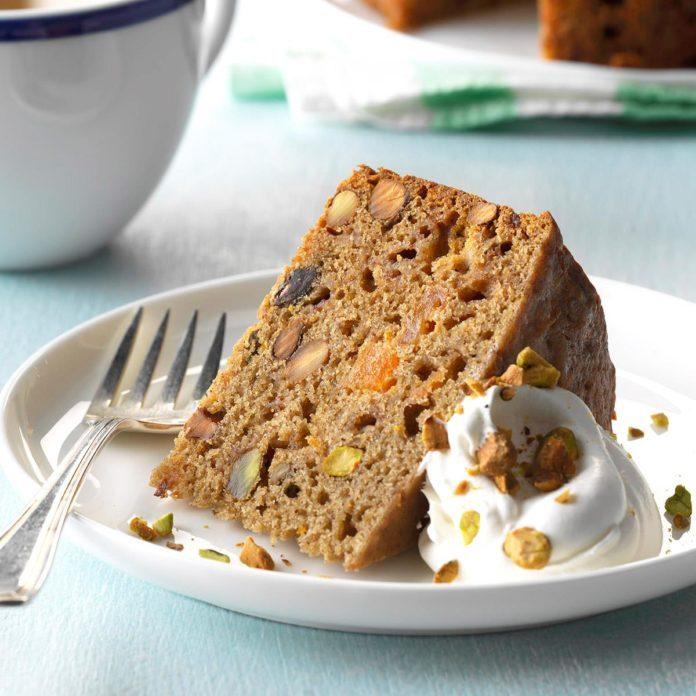 Slow Cooker Mixed Fruit & Pistachio Cake