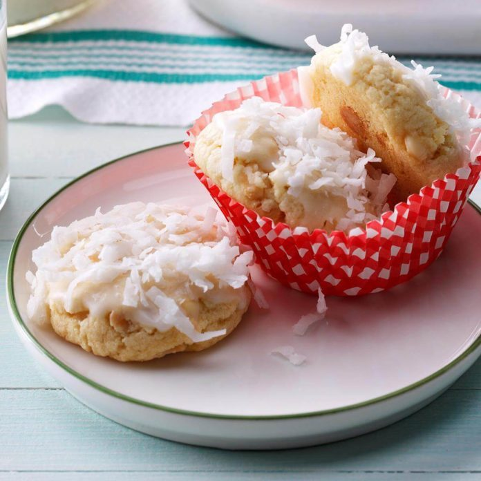 Snow-Topped White Chocolate Macadamia Cookies