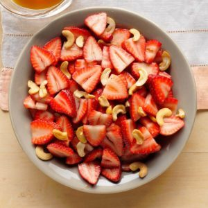 Swift Strawberry Salad