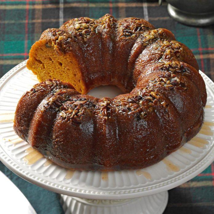 Rum-Glazed Pumpkin Cake