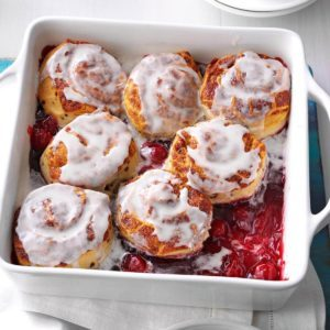 Cinnamon Cherry Cobbler