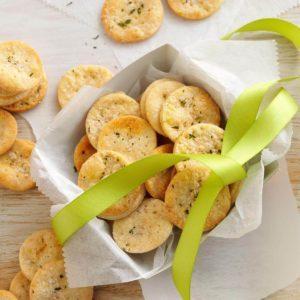 41 Purse Snacks To Get You Through Wedding Season