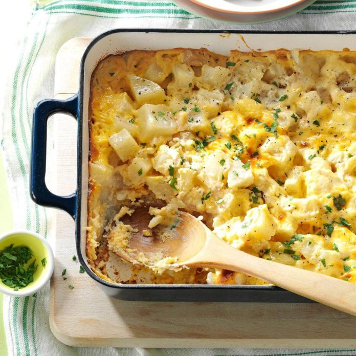 Michigan: Favorite Cheesy Potatoes