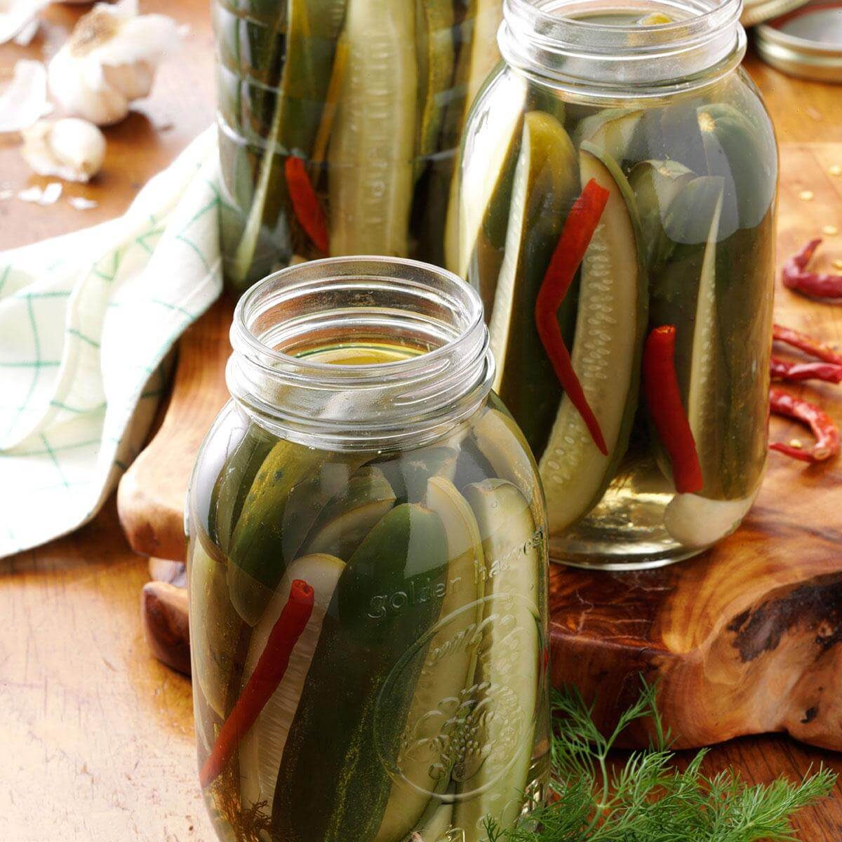 Super Easy Dill Pickles Recipe - WEMAKE7  |Canning Dill Pickles