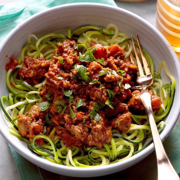 Arrabbiata Sauce With Zucchini Noodles Exps Hck18 196227 B04 014 7b 9