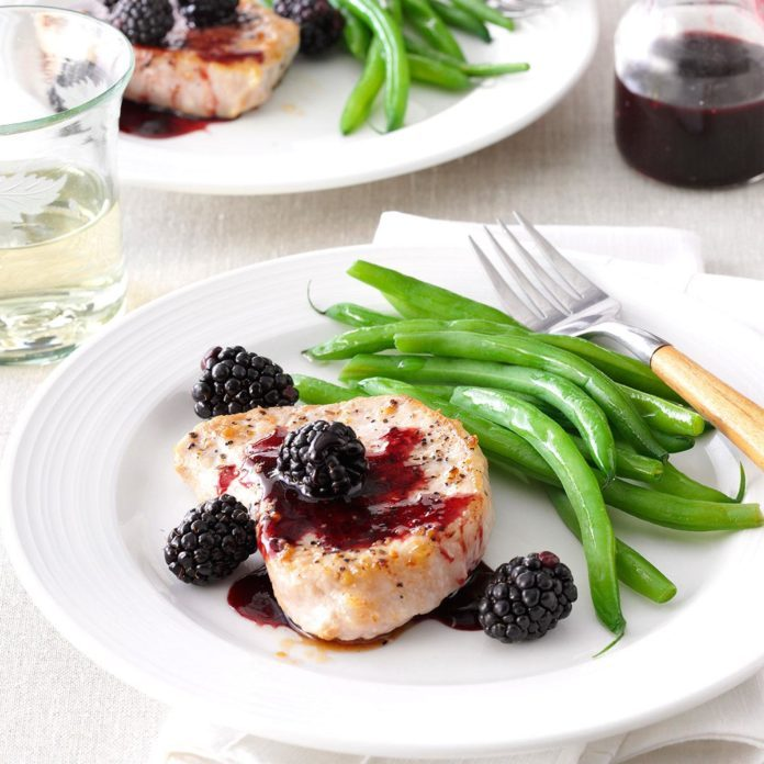 Blackberry-Sauced Pork Chops