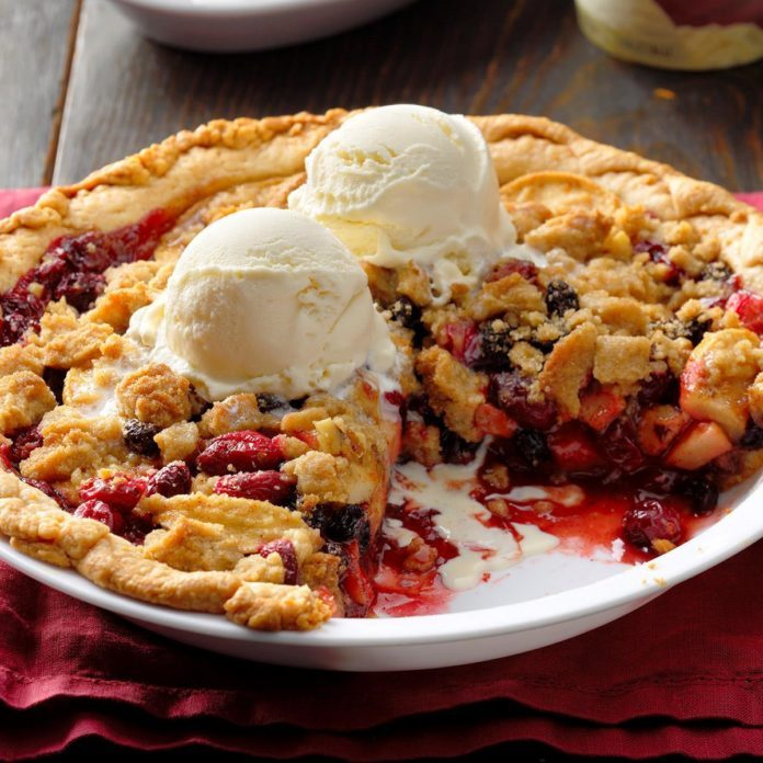 Nebraska: Dutch Cranberry-Apple Pie