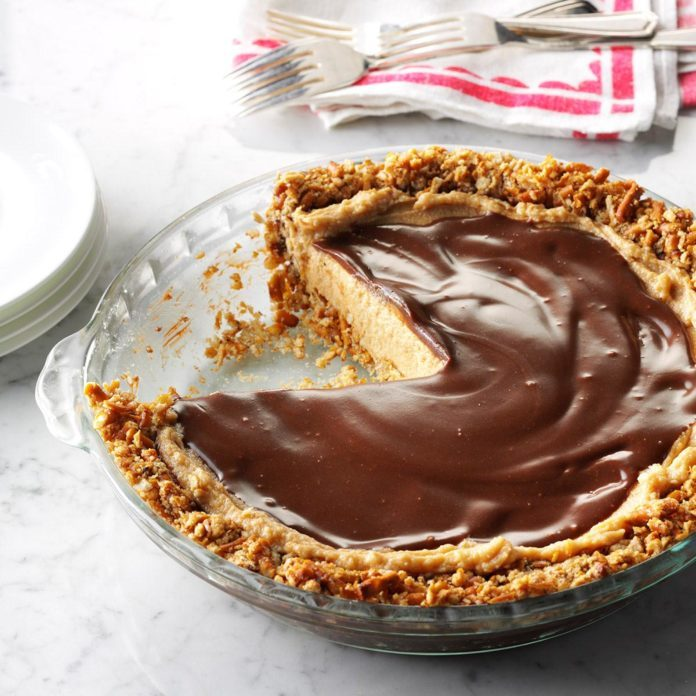 Easy Peanut Butter & Pretzel Pie