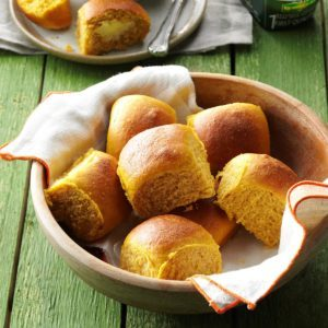 Pumpkin Pan Rolls