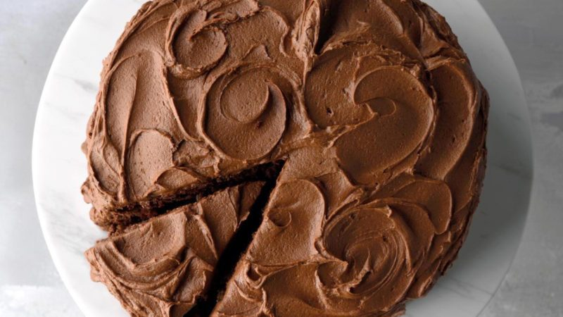 This Is the Real Difference Between Chocolate Cake and Devil's Food Cake