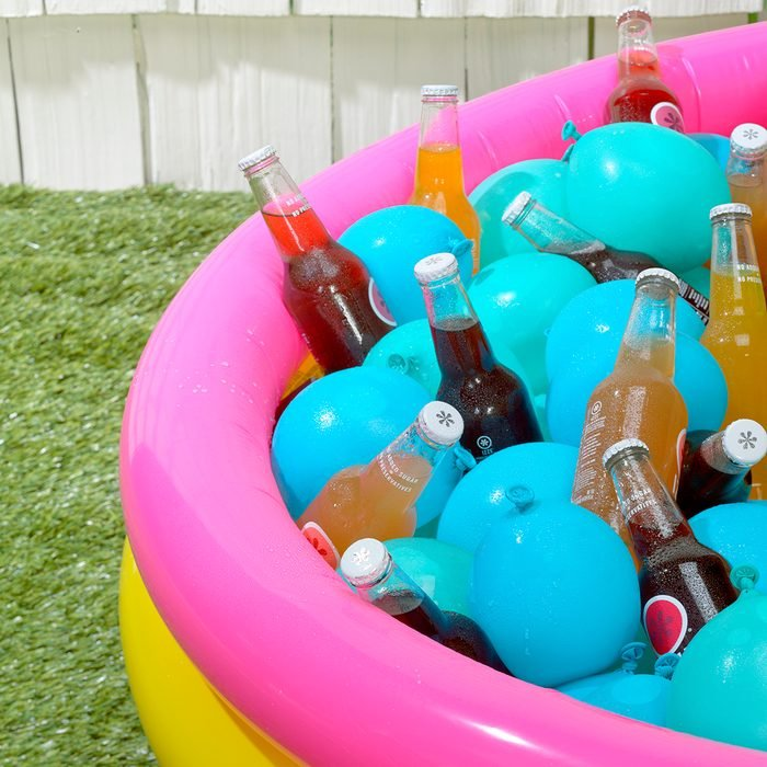 keeping drinks cool in a blow-up pool