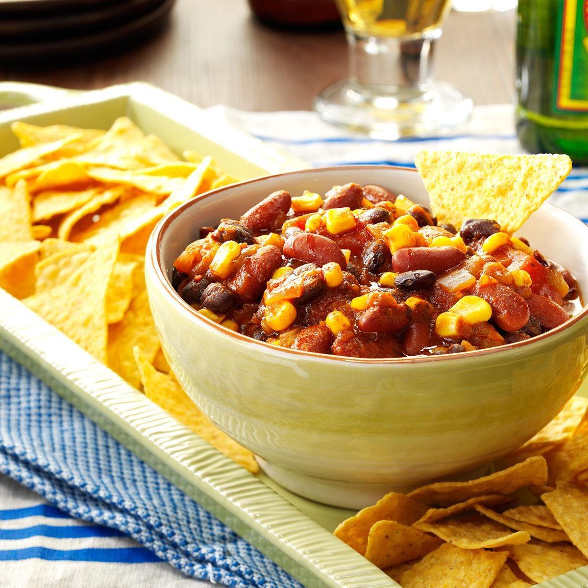 40 Easy Potluck Recipes For Your Graduation Party: Taco Joe Dip Recipe