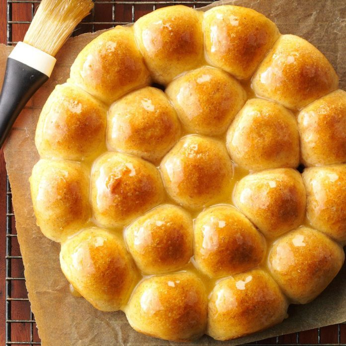 Honey Whole Wheat Pan Rolls