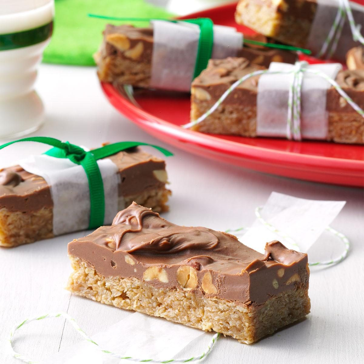 Peanutty Candy Bars Recipe