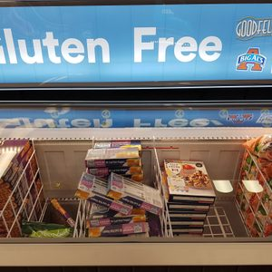 gluten free sign at grocery store
