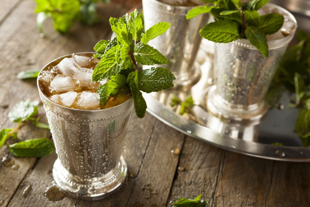How to Make a Mint Julep, According to the Experts