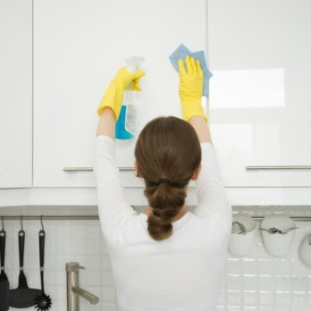 How to Clean Grease Off Your Kitchen Cabinets