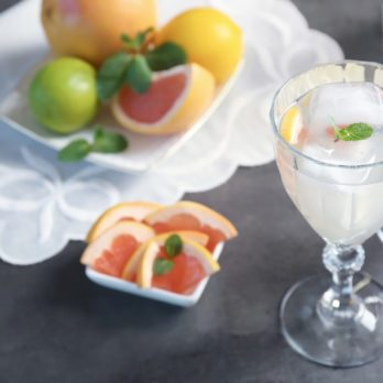 How to Make Fizzy Wine Spritzers Just Like Olive Garden's