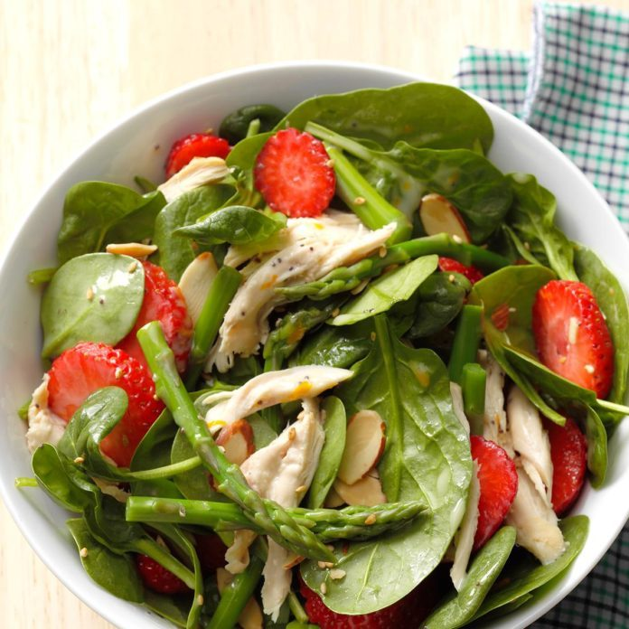 Day 29: Asparagus Spinach Salad with Chicken