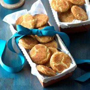 Cinnamon Sugar Crackle Cookies