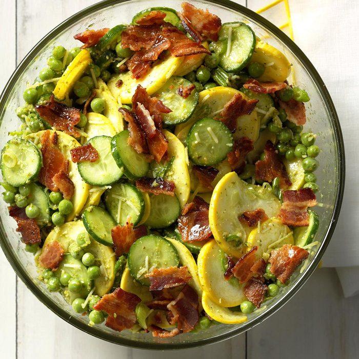Crunchy Lemon Pesto Garden Salad Exps Thjj18 212387 C01 30 6b 10