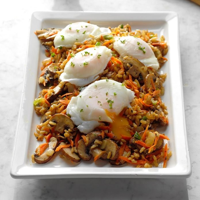 Mushroom And Brown Rice Hash With Poached Eggs Exps Sdjj18 189425 B02 09 6b 3