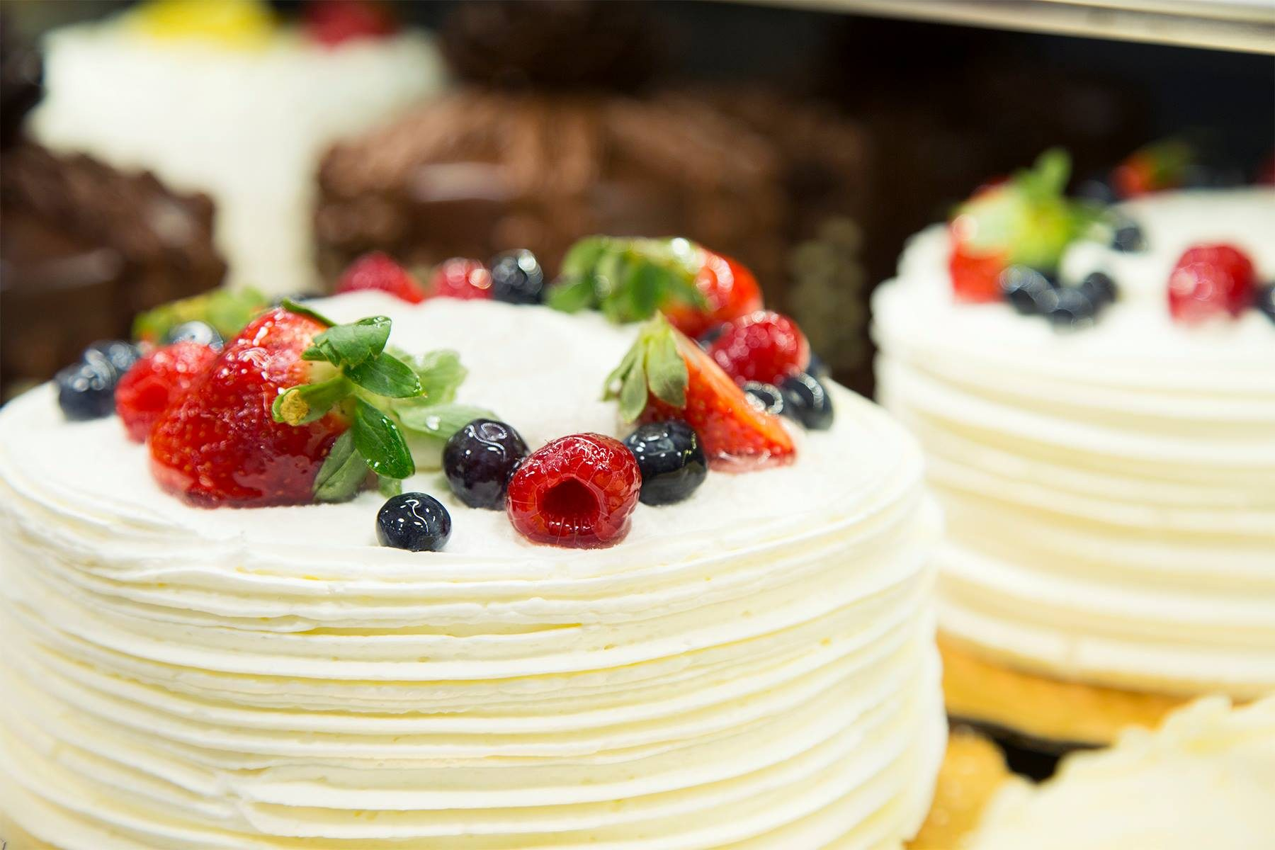 Strange The 5 Best Grocery Store Cakes You Can Buy Taste Of Home Funny Birthday Cards Online Elaedamsfinfo
