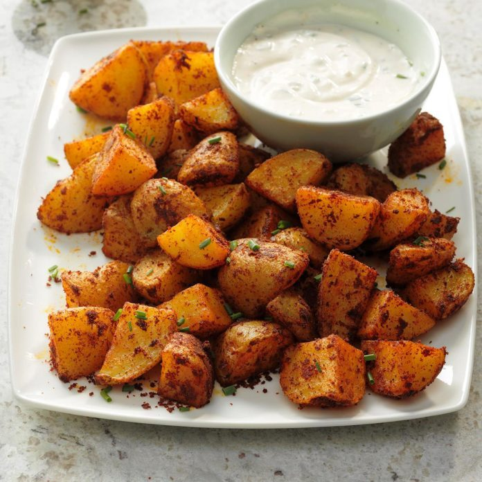 Spicy Potatoes with Garlic Aioli