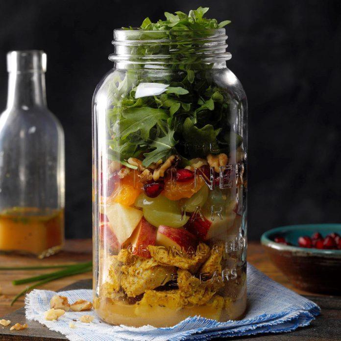 Turkey and Apple Arugula Salad in a Jar