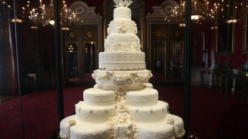 britain royal wedding cakes why the top tiers of royal cakes are saved taste of home 12156