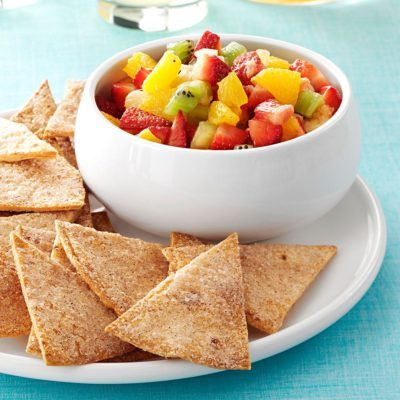 apple salsa with cinnamon chips