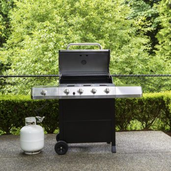 "How to ""Burp"" the Propane Tank on Your Gas Grill"