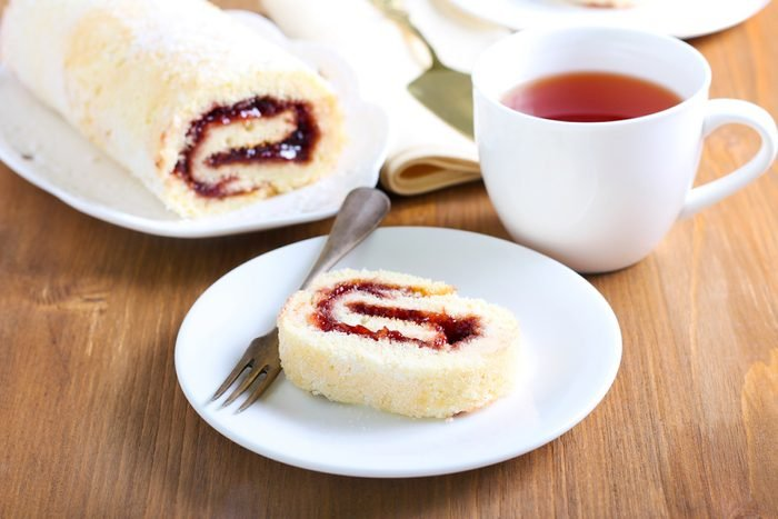 Jam roly poly, jam roly-poly, English dessert