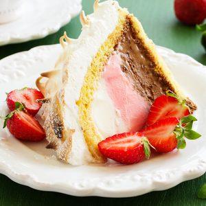 Sponge cake Alaska ice cream and meringues