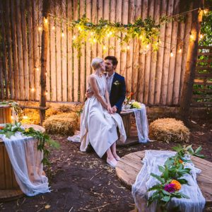 a comparison between a simple and a grand wedding Grand prairie, tx wedding venues - price & compare thousands of venues by  cost,  from an indoor or outdoor ceremony, rustic elegance to simple country to .