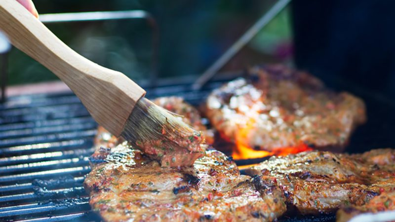 Deciding Between Charcoal And Gas Grills Here S What You Need To Know