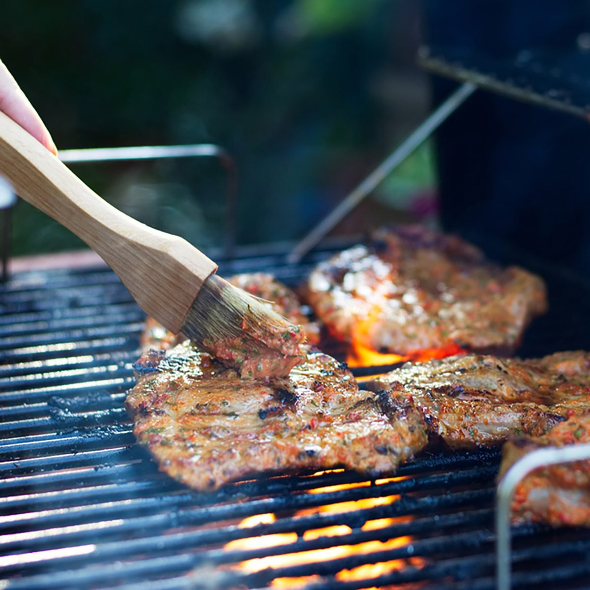 Charcoal Vs Gas Grills Here S What You Need To Know