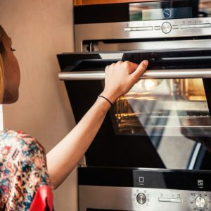 10 Things You Should Never Do to Your Oven
