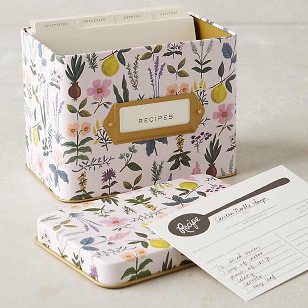 Plant-themed recipe box