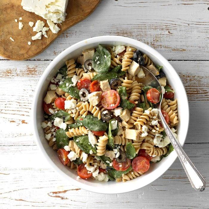Chicken And Hummus Pasta Salad Exps Sdas18 199593 C03 28  8b 3