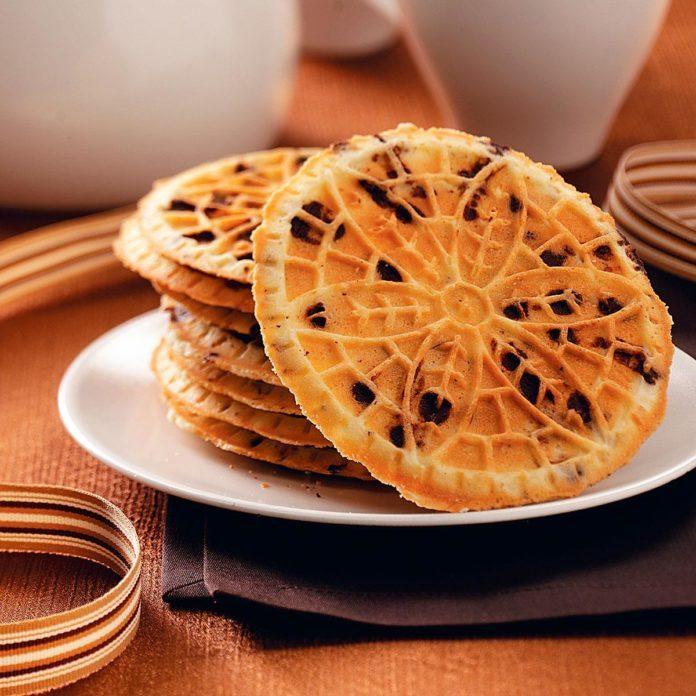 Hazelnut Chocolate Chip Pizzelle