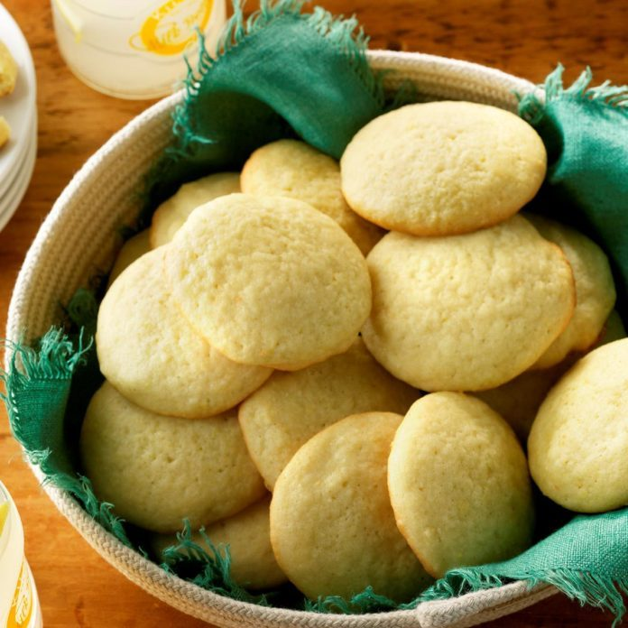 Day 22: Mom's Lemon Sugar Cookies