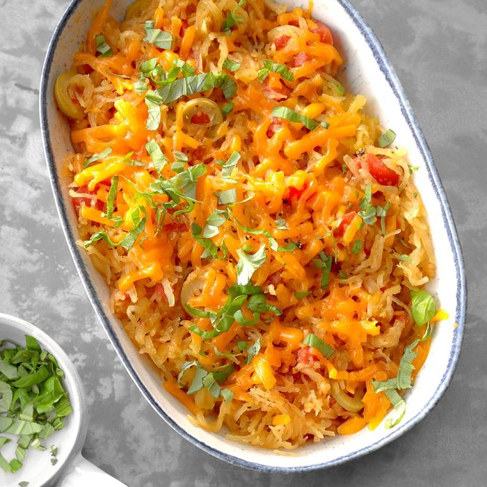 Spaghetti Squash With Tomatoes And Olives Exps Sdas18 175709 D04 03  1b 7