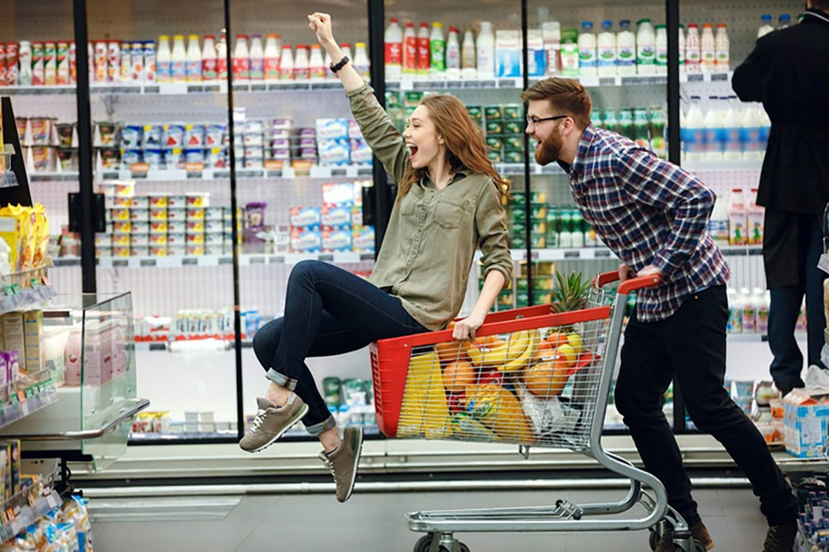 friends grocery shopping