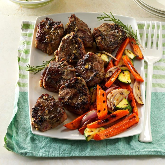 40 quick dinners thatll wow unexpected guests taste of home rosemary thyme lamb chops forumfinder Image collections